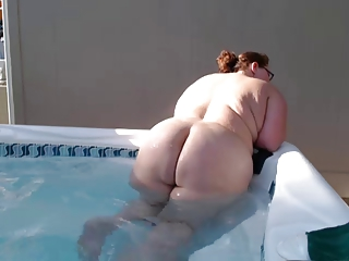 fat bbw bitch swimming